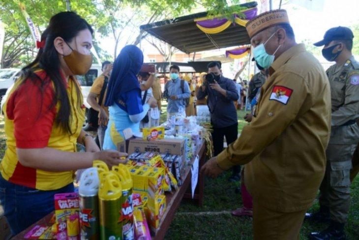 Gubernur Gorontalo buka pasar murah di Diskumperindag