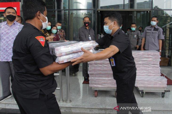 KPK periksa saksi soal penyitaan Rp52,3 miliar kasus ekspor benur