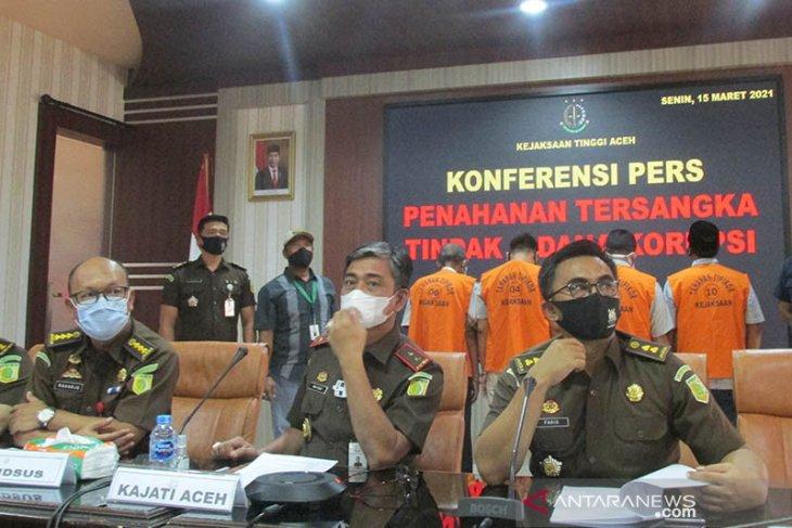 Kejati Aceh tahan empat tersangka korupsi Rp11,6 miliar