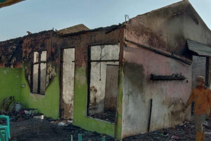 Dua rumah karyawan Kebun Teh Sidamanik terbakar