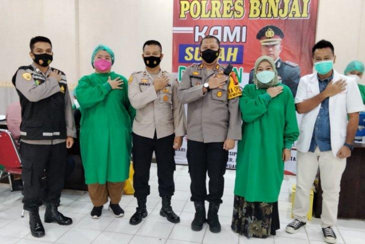 100 personel Polres Binjai lakukan vaksinasi COVID-19