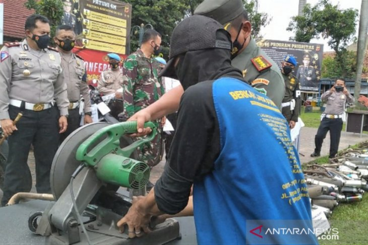 Polresta Bogor Kota musnahkan 363 knalpot bising hasil razia sepeda motor