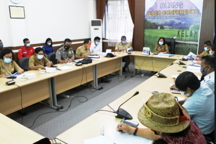 Kabupaten Sintang revisi Perbup cara membuka lahan mencegah Karhutla