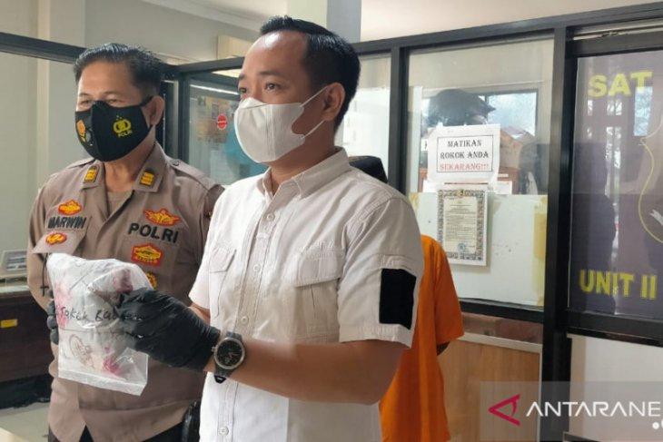 Polres Singkawang amankan kakek penjual balon diduga pencabul anak