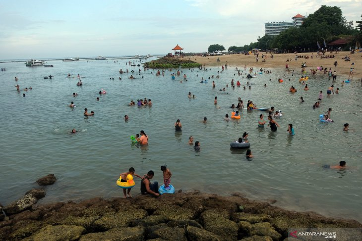 Indonesia looks to domestic tourists for tourism revival in 2021