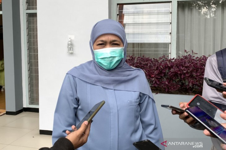 East Java has lost 106 nurses to COVID-19: Governor