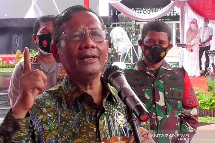 Mahfud MD jelaskan diskresi pemerintah bukan kerumunan usai kepulangan Rizieq