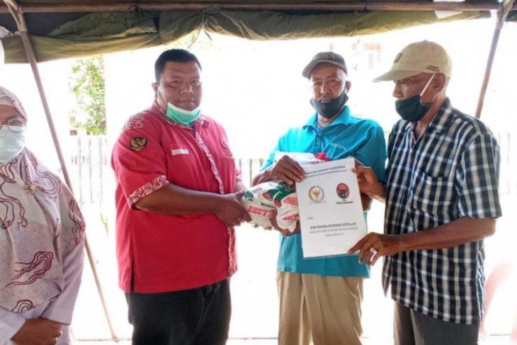 Anggota DPR RI Bob Andika Mamana Sitepu bantu korban kebakaran Sei Bilah
