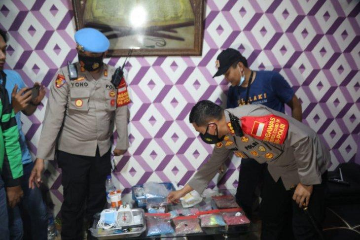 Polisi gerebek pabrik ekstasi rumahan di Kabupaten  Tangerang