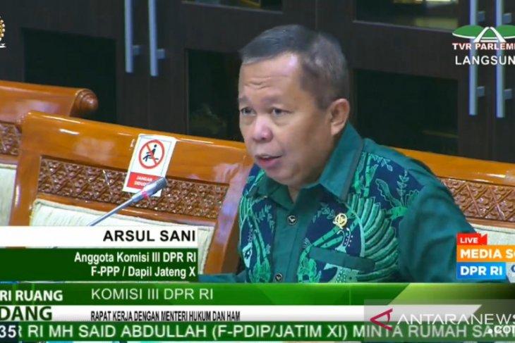 Anggota DPR Arsul Sani minta pemerintah segera terbitkan SK Tim Pemburu Koruptor