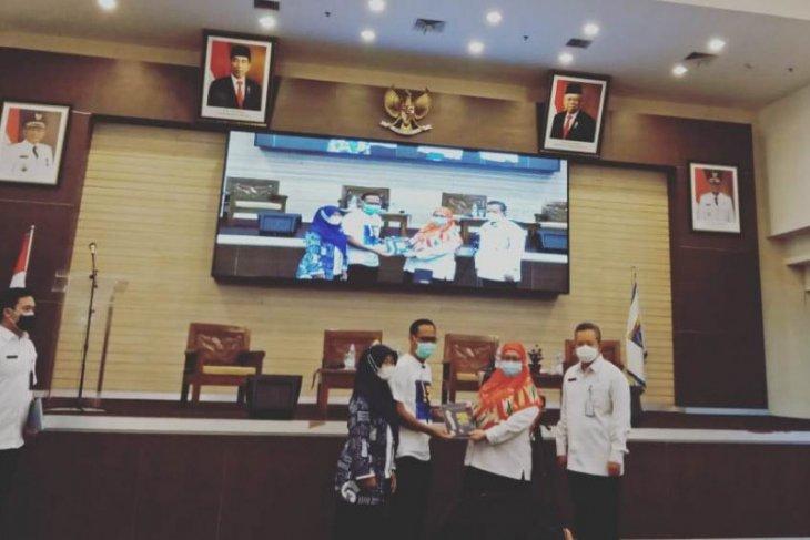 Wakil Wali Kota Depok luncurkan buku autobiografi pertamanya