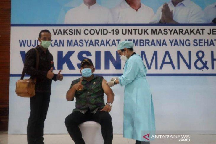Bupati Jembrana targetkan 1.200 vaksinasi COVID-19/hari