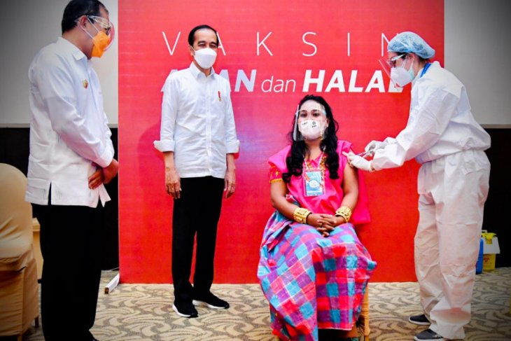President witnesses mass COVID-19 vaccination in Bogor