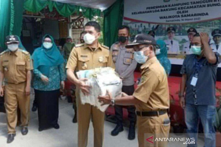Walikota Samarinda resmikan kampung tangguh COVID-19