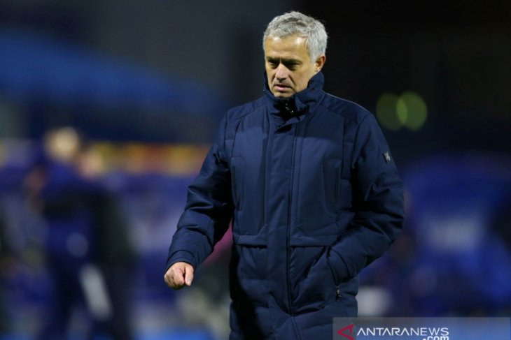 Mourinho sebut Spurs pertimbangkan boikot medsos