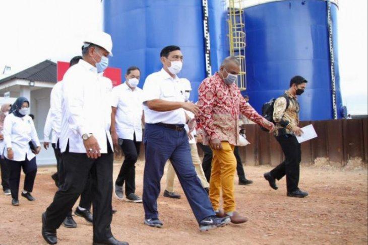 Luhut resmikan operasi fasilitas limbah minyak B3 di Batam
