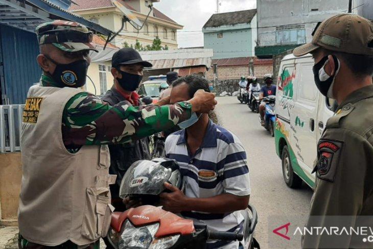 Satgas COVID-19 Bangka Barat gelar operasi yustisi di Pasar Mentok