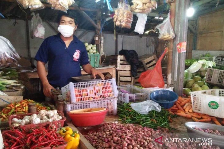 Harga cabai rawit di pasar tradisional Taman Sari Kota Serang melonjak