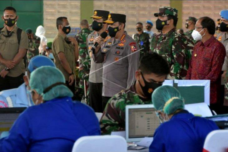 Panglima TNI dan Kapolri tinjau vaksinasi di Bali