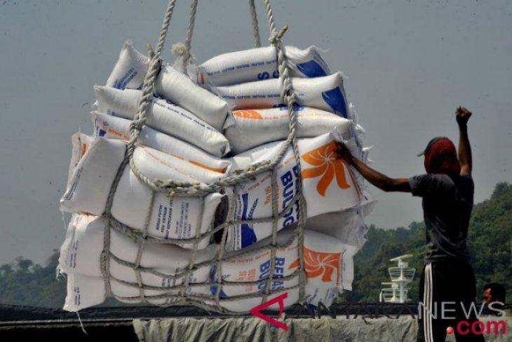 Legislator urges Indonesian govt to pledge not to import rice