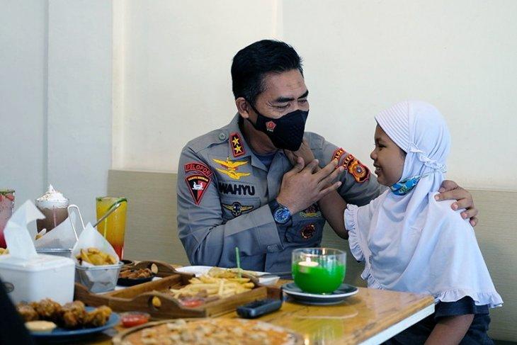 Nayla, anak juru parkir di Banda Aceh ternyata idolakan jenderal polisi ini