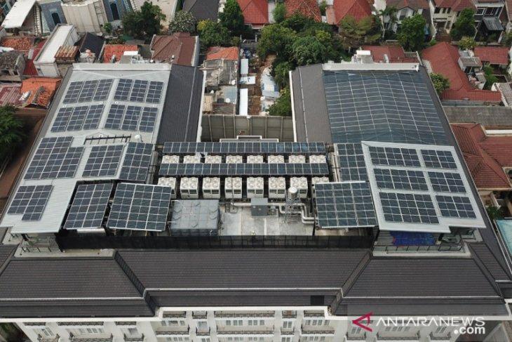 PLTS atap rumah dinilai solusi penuhi target bauran EBT 23 persen