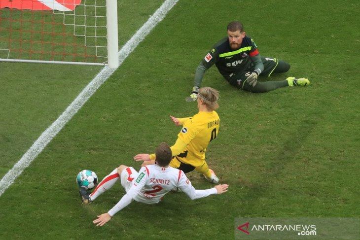 Erling Haaland hindarkan Dortmund dari kekalahan di Cologne