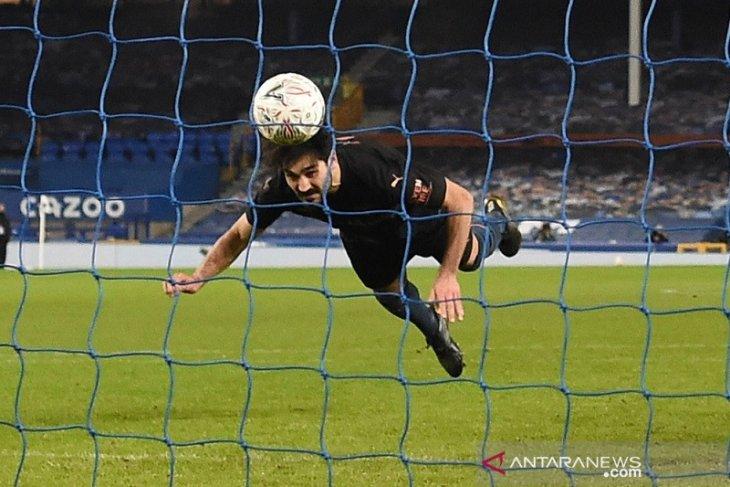 Dua gol menit akhir lempangkan jalan City ke semifinal Piala FA
