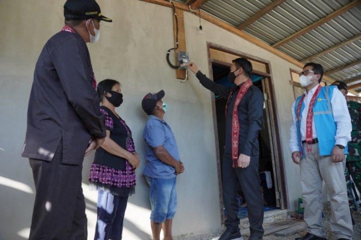 PLN Nyalakan Listrik delapan Desa Daerah Perbatasan RI - Malaysia