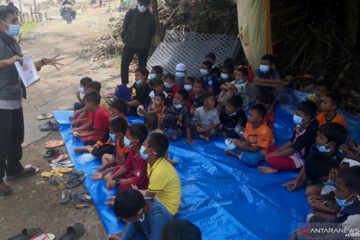 Walhi Kalsel beri pendidikan dini lingkungan hidup anak-anak di HST