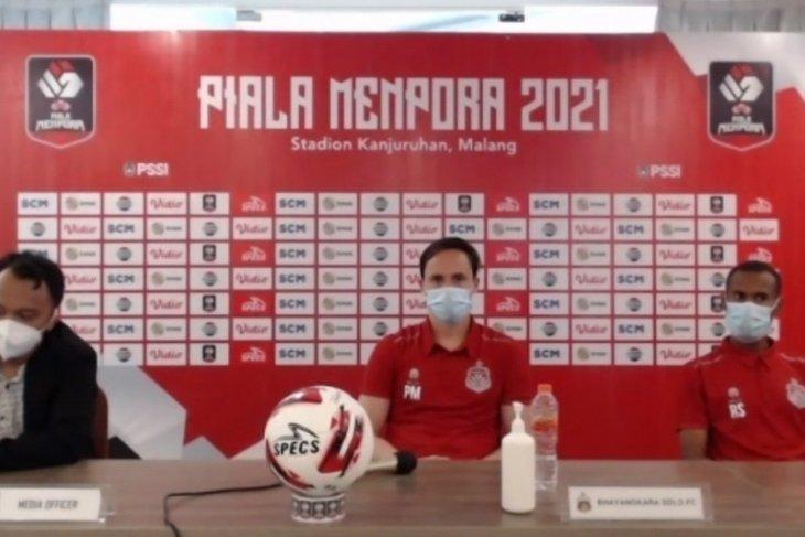 Paul Munster maksimalkan  pergantian pemain saat lawan Borneo