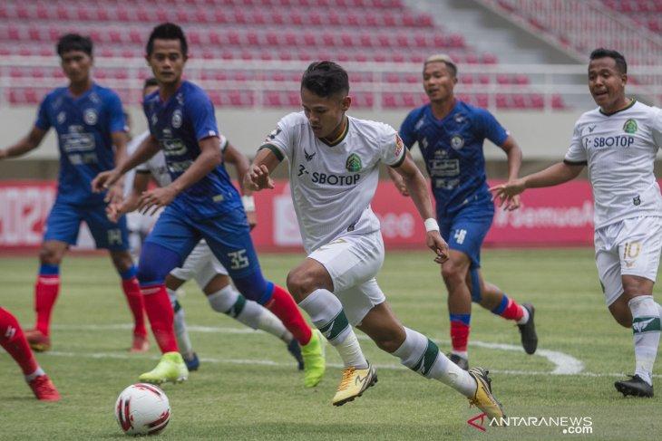 Piala Menpora: Pelatih Arema akui stamina pemainnya belum maksimal