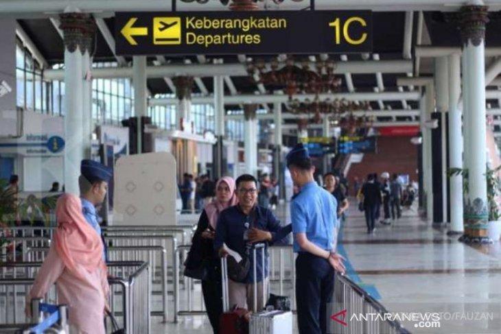 650 aparat desa peserta studi banding asal Aceh telantar di Kualanamu, ini penyebabnya