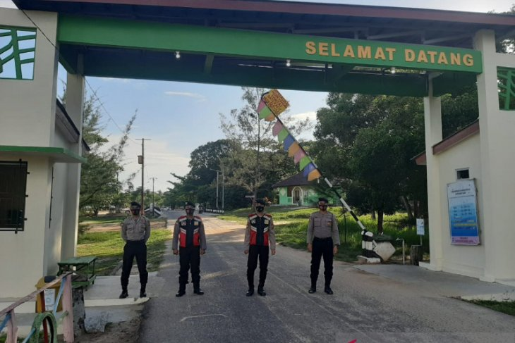 Polisi Bangka Barat pantau penerapan protokol kesehatan objek wisata
