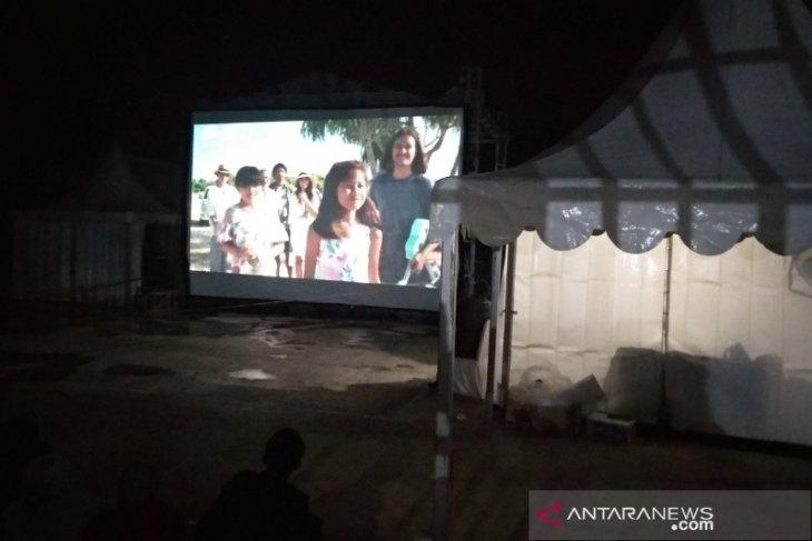 Nonton bareng film Indonesia di perdesaan