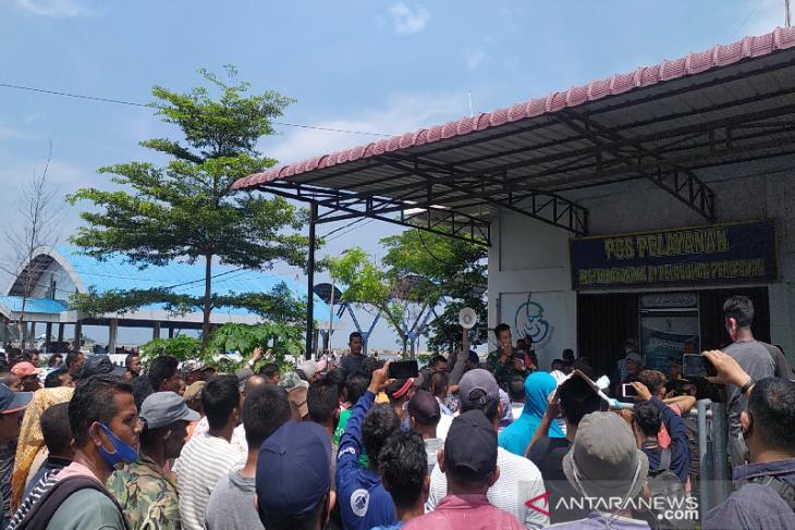 Pedagang ikan Lampulo protes sikap arogan petugas DKP Aceh