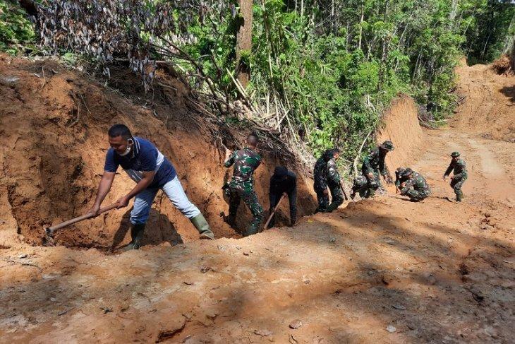 Masyarakat apresiasi pembukaan jalan penghubung tiga desa di Gunungsitoli