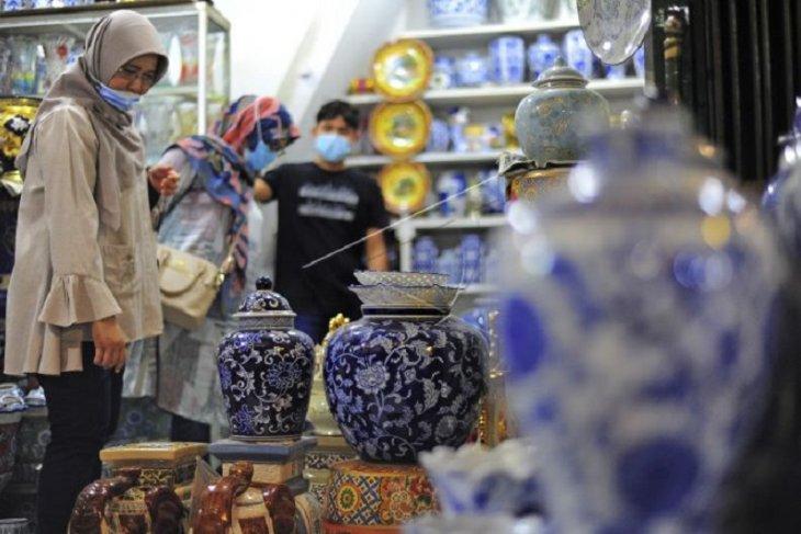 Omzet pedagang keramik pasar Jambi menurun