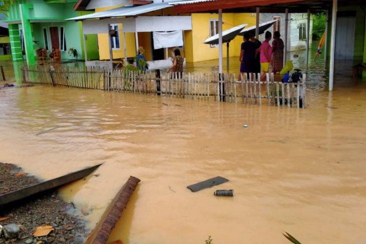 Wilayah barat Kabupaten Gorontalo Utara terendam banjir