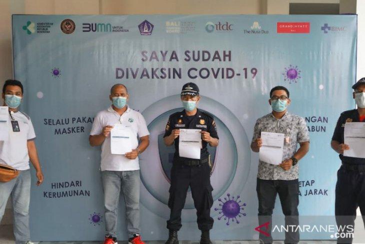 Kawasan The Nusa Dua  vaksinasi pekerjanya untuk wujudkan zona hijau