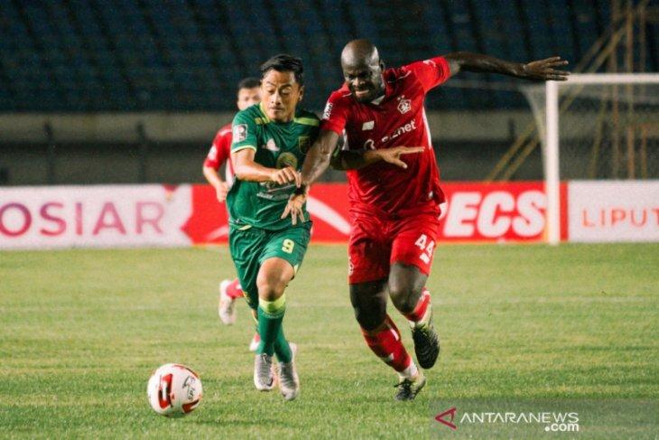 Persebaya taklukkan Persik 2-1 berkat dua gol pinalti Samsul Arif