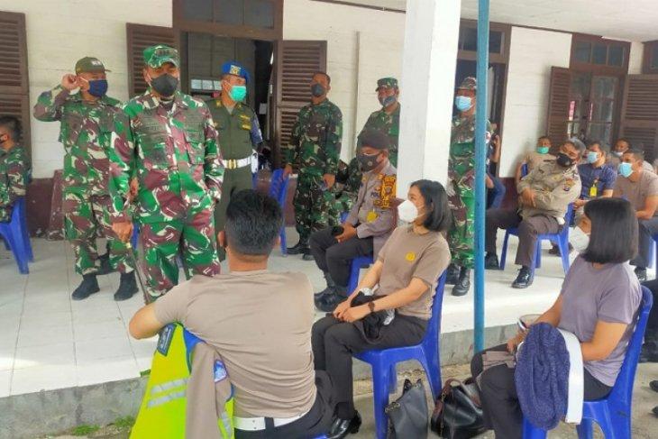 Danrem tinjau pelaksanaan vaksinasi TNI-Polri di Kodim 0210/TU