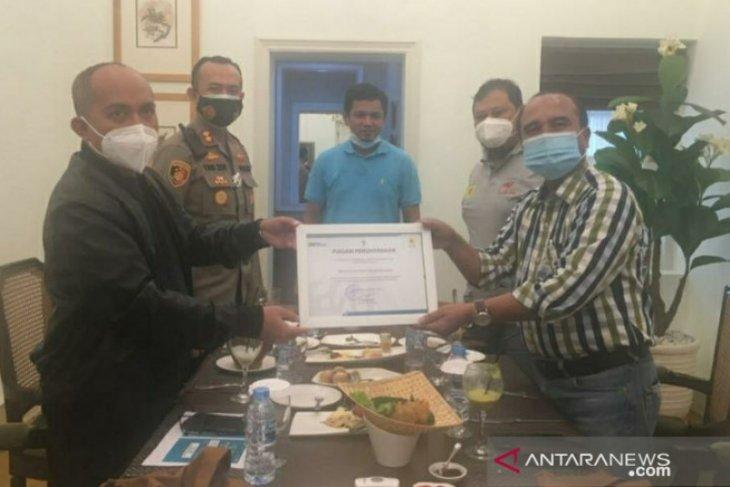 Walikota terima piagam penghargaan dari PT PLN Bangka Belitung