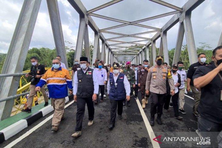 Ridwan Kamil: Jembatan Cibuni penghubung Sukabumi-Cianjur dongkrak ekonomi warga