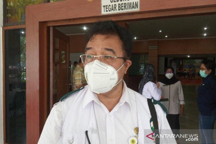 Vaksinasi COVID-19 pada 12.800 tenaga kesehatan di Kabupaten Bogor tuntas