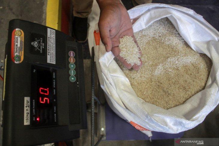 Dinas Pertanian : ada cemaran logam berat pada beras luar daerah