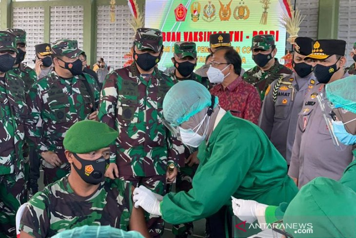 Panglima TNI terima 130 ribu vaksin COVID-19 AstraZeneca untuk prajurit
