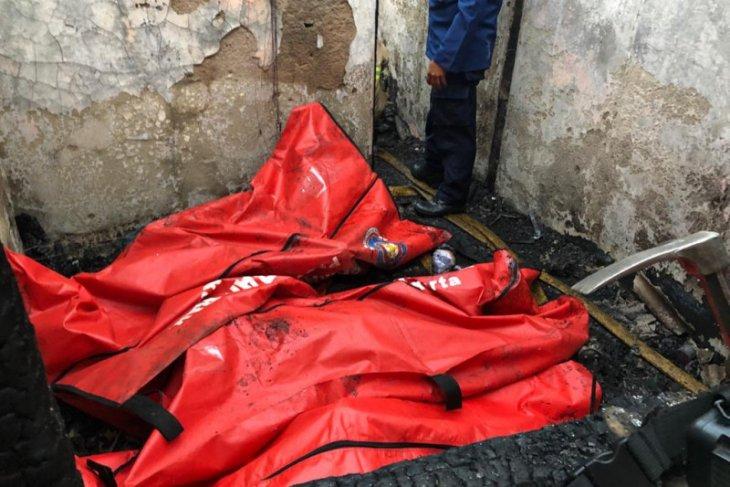 Damkar Jaktim identifikasi 10 korban tewas kebakaran di Matraman