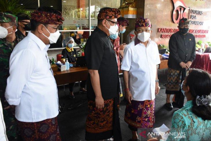 Pemkot Denpasar dukung maksimalkan vaksinasi COVID-19 ke pelayanan publik