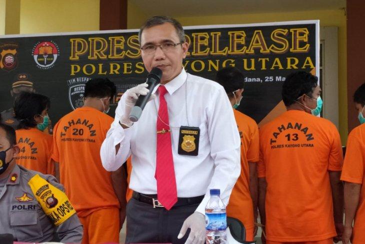 Polisi  bekuk pencuri di warung sembako Teluk Batang
